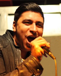 Salih Özcan (voc, dr, git)